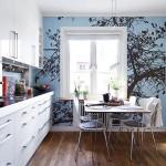 Фотообои в интерьере кухни дерево
