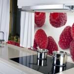 Фотообои малина для дизайна кухни