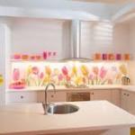 Цветочные фотообои - нежный интерьер кухни