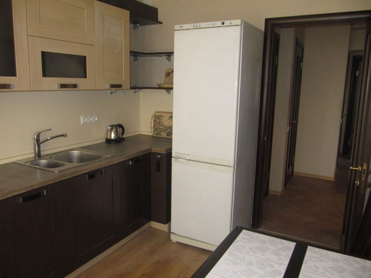 Дизайн кухни 4 кв.м с холодильником
