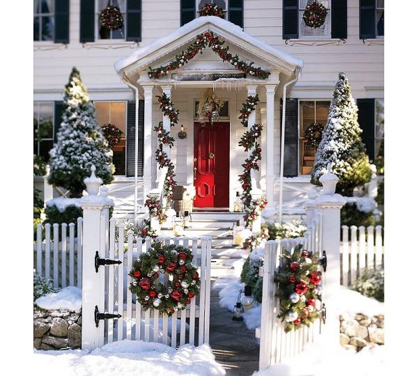 Как украсить двор частного дома на новый год своими руками фото