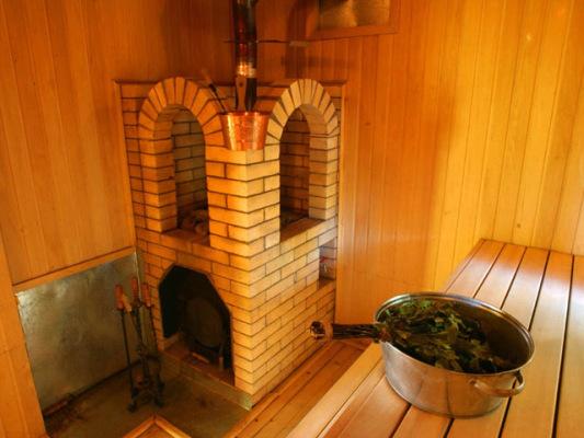 печь-для-бани-своими-руками-из-кирпича-533x400