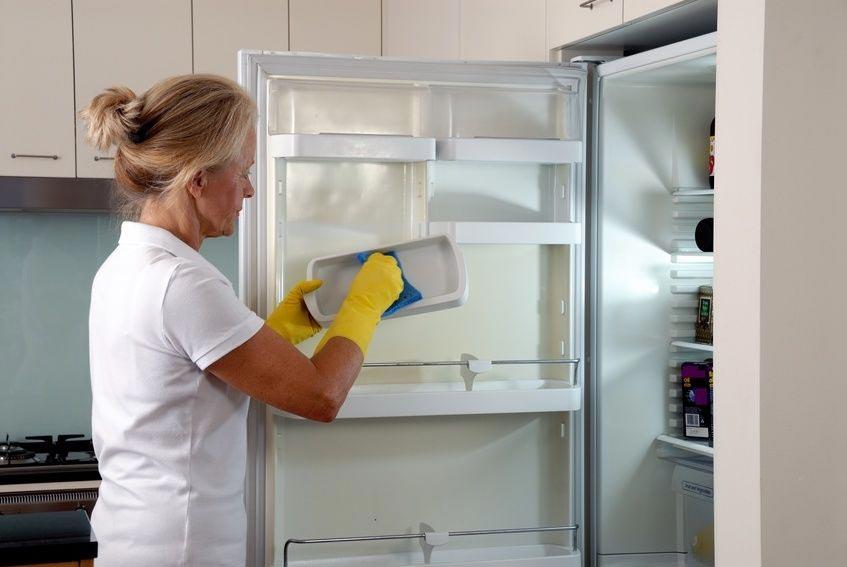 Чем отмыть холодильник в домашних условиях